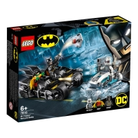 76118 Mr. Freeze™ Batcycle™ Battle